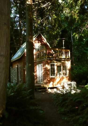 The original Gingerbread Cottage at Lily Point Park Lodges
